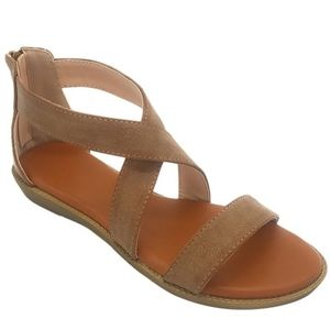 Shoes - Tan criss cross sandal